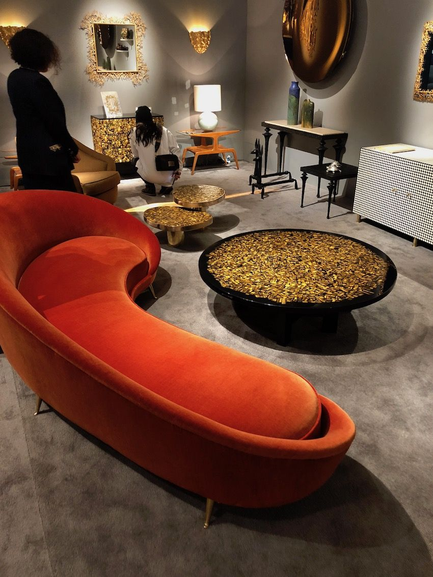 Curved furniture adds a special flair to a living room.