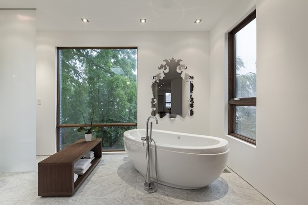 toronto-house-modern-luxury-bathroom-with-a-view-25.jpg