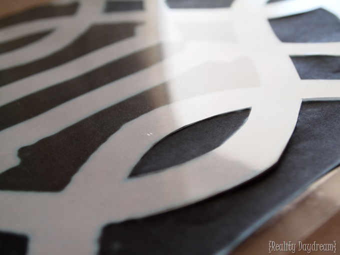 Cut your own patterned stencil at home! {Reality Daydream}