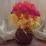 Ваза с цветами (папье-маше, бумагопластика)