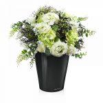 Композиция из искусственных цветов в вазе – . 100 .